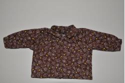 Brun skjorte med prikker