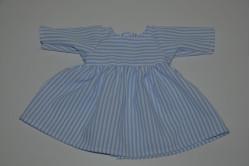 Hvid kjole med lyseblå striber