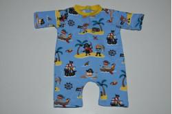 Blå dukkelegedragt med sørøvere