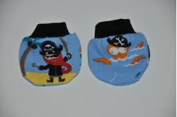 Blå dukkevanter med sørøvere
